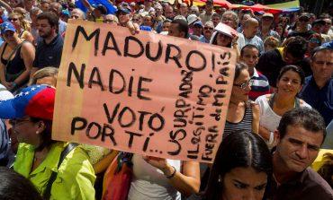 Con la peor crisis económica de toda la historia de Venezuela, régimen de Maduro celebra el primer año tras su fraude presidencial