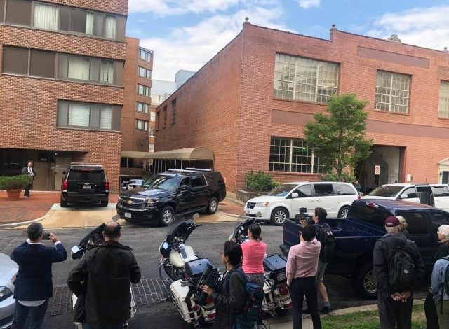 La absurda toma del colectivo Code Pink en la embajada de Venezuela en Washington