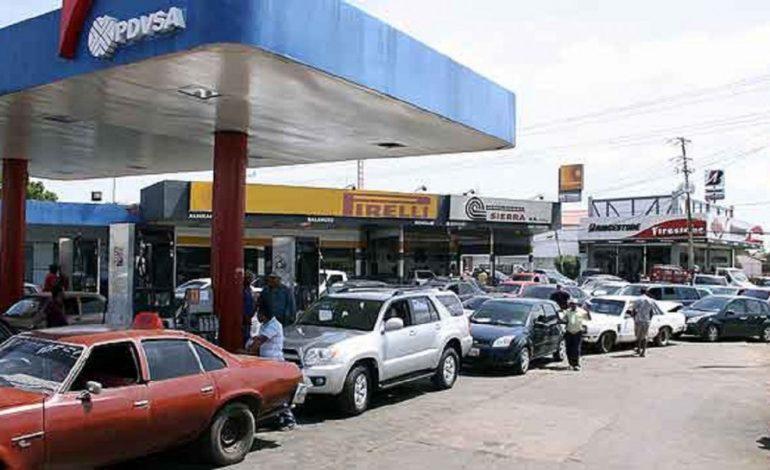 Estaciones de servicio podrían quedar sin una gota de gasolina dentro de un mes