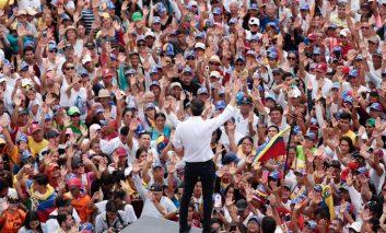 Si Guaidó no rectifica, terminará de enterrar a Venezuela, por Emmanuel Rincón