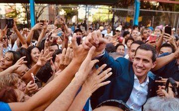 """""""Continuamos ejerciendo mayoría en las calles"""": Juan Guaidó llegó sorpresivamente al estado Lara"""