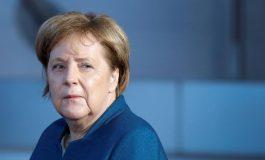 Canciller de Alemania tiembla en un acto público por tercera vez en menos de un mes