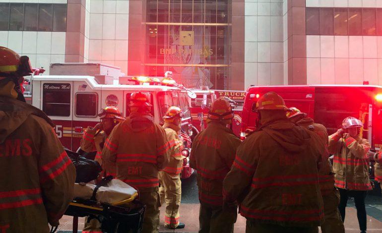 Colisión de un helicóptero en rascacielos de Manhattan desata el miedo de los neoyorkinos