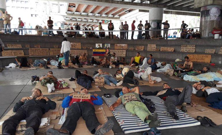 Cerca de Miraflores manifestantes llevan más de 150 horas de huelga de hambre