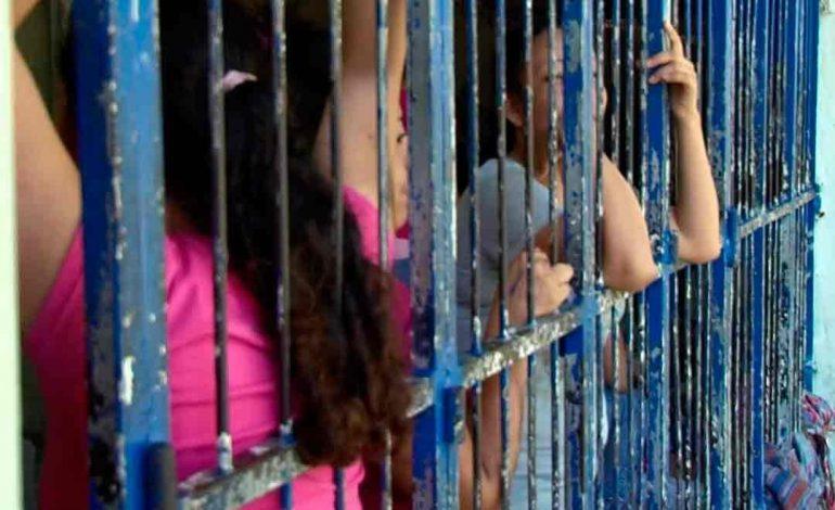 Aprueban Ley de Dignidad para Mujeres Presas en Florida