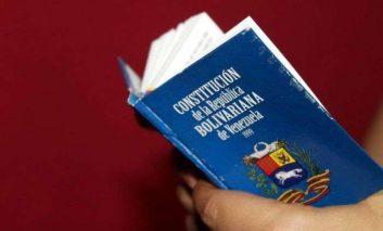 Constitución - Chávez, por Luciano Rondón