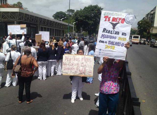 Trabajadores de la Maternidad Concepción Palacios protestaron por precariedad