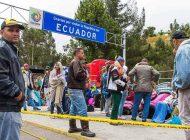 """Decreto migratorio en Ecuador """"hace embudo"""" de venezolanos en Rumichaca"""