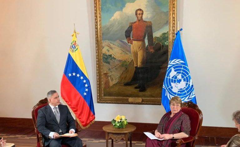 Representantes de los poderes públicos del régimen madurista se reunieron con Bachelet