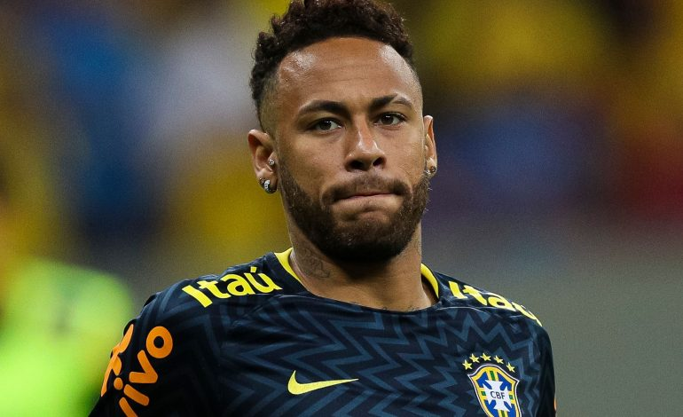 Modelo que acusó a Neymar de violación compareció ante los juzgados