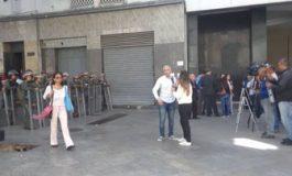 Periodistas evadieron el bloqueo arbitrario de la GNB e ingresaron a la AN
