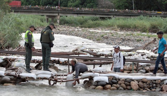 Quien cruce por trochas la frontera será devuelto, señaló Migración Colombia