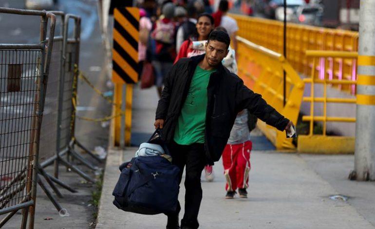 Venezolanos en Perú deberán solicitar visa de turista para entrar a Chile