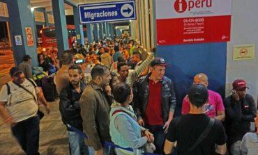 Aumenta el flujo de venezolanos en Perú ante requerimiento de visa y pasaporte