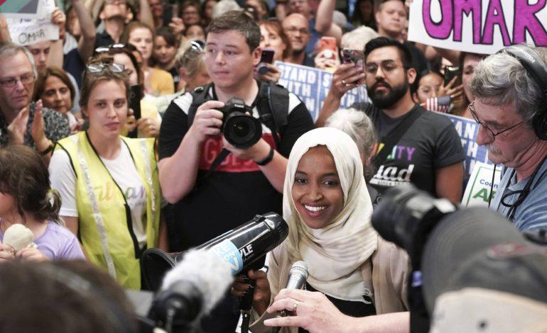 Congresista musulmana atacada por Trump fue recibida a lo grande en su estado