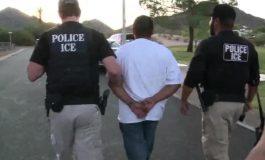 CNN: ICE ya comenzó las redadas para arrestar inmigrantes indocumentados