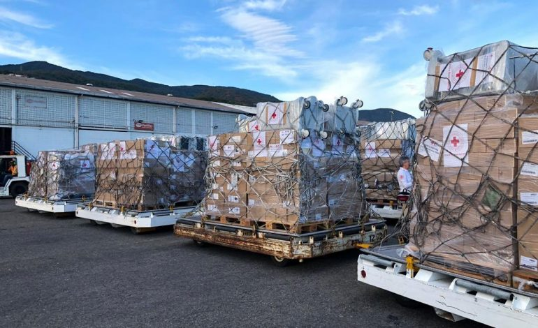 Venezuela recibe 20 toneladas de ayuda humanitaria por el acuerdo con la OPS contra el coronavirus