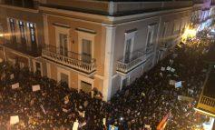 Histórica manifestación culmina en violencia por exigir la renuncia del gobernador de Puerto Rico