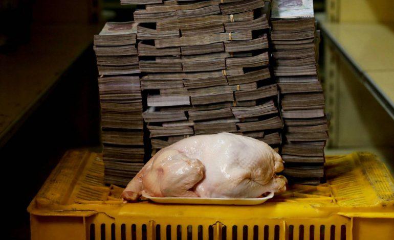 Ni para un pollo alcanza el salario mínimo venezolano