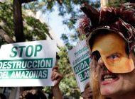 Piden dimisión de Bolsonaro por incendios en la Amazonía