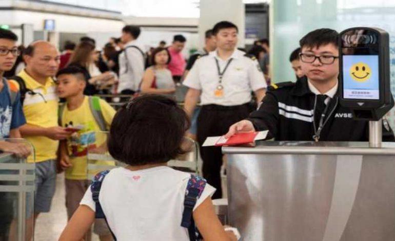 Vuelve normalidad al aeropuerto de Hong Kong, tras dos días de protestas