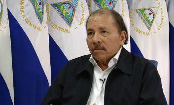 """Edén Pastora """"Daniel Ortega me mandó a matar"""", por Mario Valdez"""