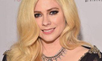 Avril Lavigne superó enfermedad de Lyme con música