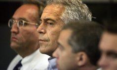 Custodios de la celda de Jeffrey Epstein fueron detenidos
