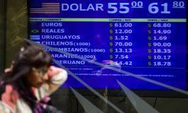 Economía argentina sigue desplomándose