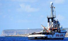 Capitán del Open Arms habría negociado con supuestos traficantes el próximo rescate de migrantes