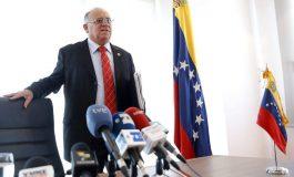 Venezolanos en Madrid rechazan estafa de Mario Isea con foro sobre educación venezolana