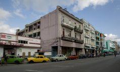 Crisis energética en Cuba: horas en fila para surtir gasolina