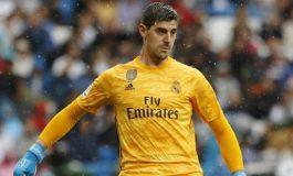 Courtois salvó al Real Madrid del empate ante Levante