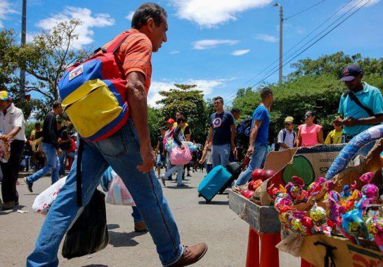 Venezolanos en Colombia, más capacitados pero peor pagados