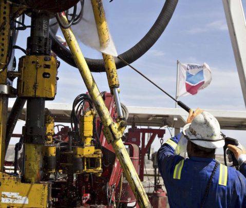 EEUU renovó a Chevron la licencia para perforar petróleo en Venezuela hasta el 22-A