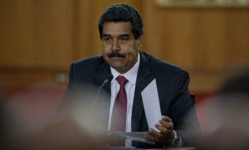 200 milloncitos, la inmoral propuesta de Maduro, por Emiro Albornoz