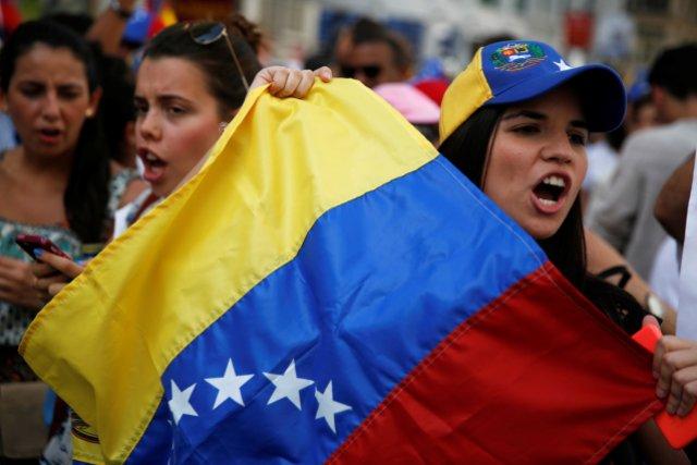 Venezolanos permanecen detenidos en EEUU y no ejecutan las deportaciones