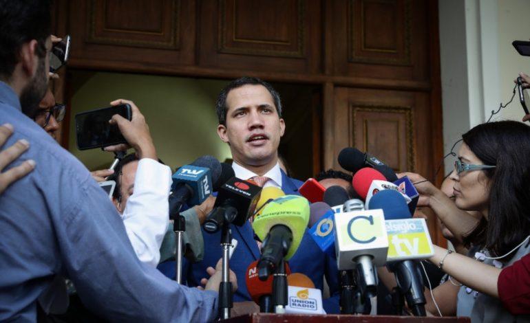 Guaidó celebró el nuevo llamado a elecciones libres en Bolivia