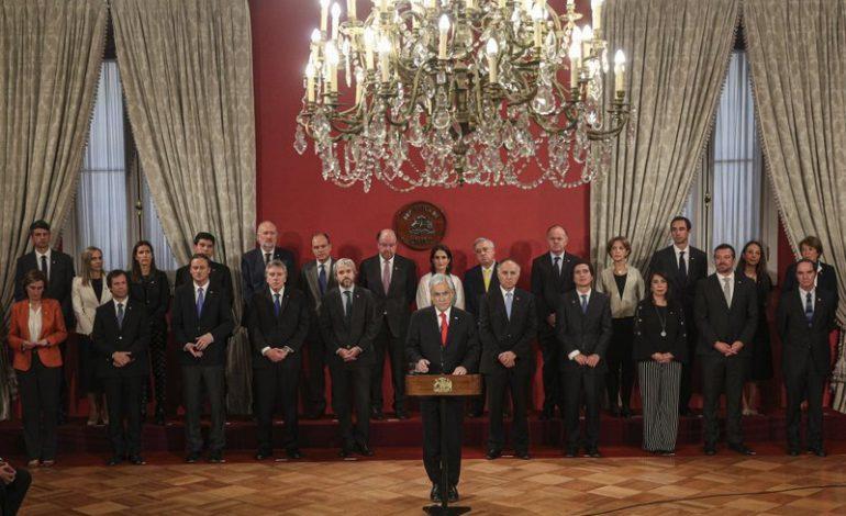 Presidente de Chile cambia parcialmente su gabinete tras protestas