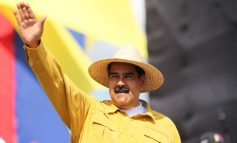 """""""Asno"""" el nuevo apodo que el presidente ecuatoriano le colocó a Maduro"""