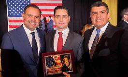 Vecchio recibió el premio a la libertad Ronald Reagan del partido republicano