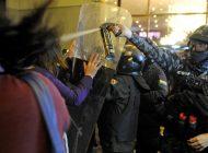 Protestas en Bolivia en contra del polémico recuento provisorio que le daría la victoria a Evo Morales