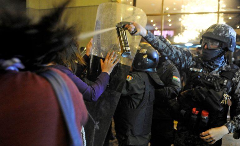 """Se registran protestas en Bolivia contra polémica """"victoria"""" de Evo Morales"""