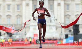 Keniana rompe el record mundial de maratón