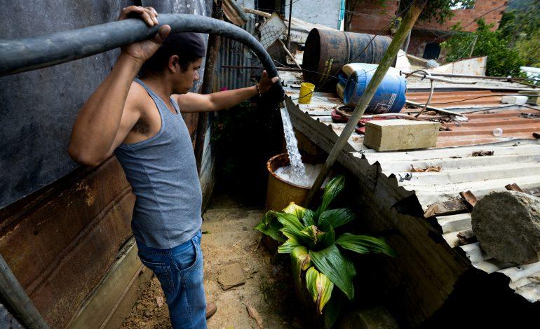 Más del 50% de los venezolanos hierven el agua para resguardar su salud