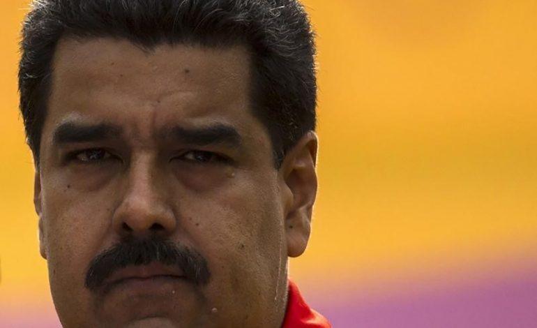 """""""10 años de atraso"""": lo que dice un general sobre el simulador aéreo que instaló Maduro"""
