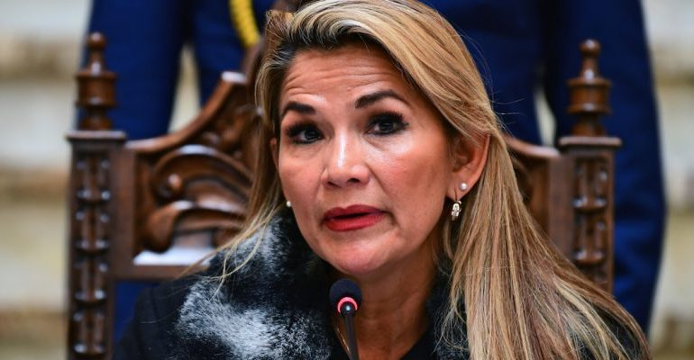 Jeanine Áñez envía una ley al Congreso para convocar elecciones generales