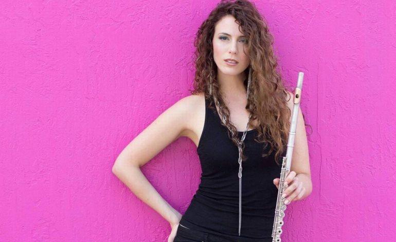 """La flautista y cantante cubana Ana Belén Abreu presenta su primer disco, """"VibeFlow"""""""