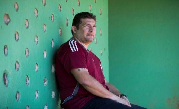 Ex pelotero venezolano Erick Relucido exige indemnización a los Yanquis