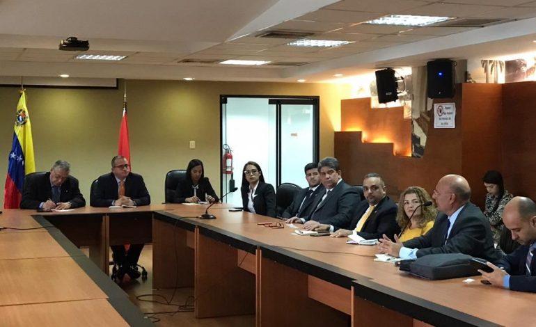 Diputados opositores venezolanos se reunieron con el senador suizo, Filippo Lombardi